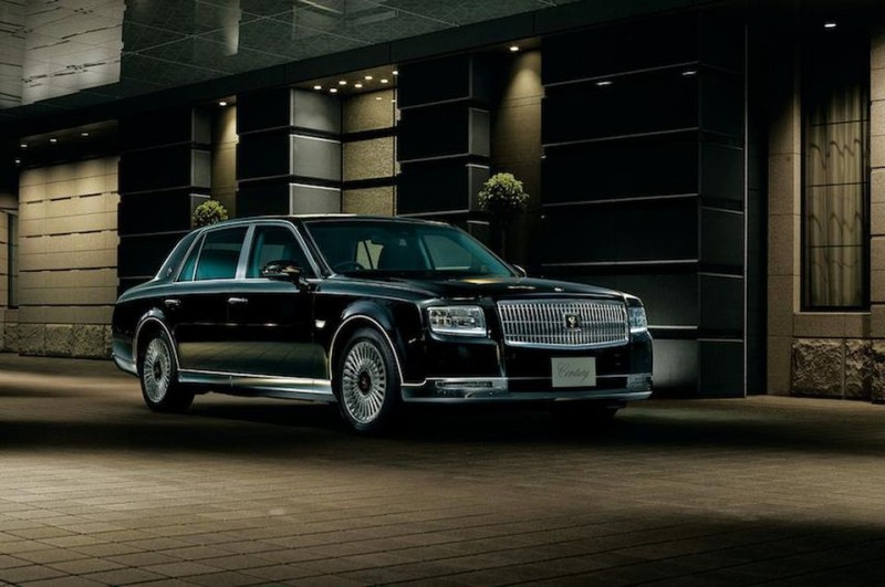 Toyota's Answer To Rolls Royce And Maybach Is The Century?