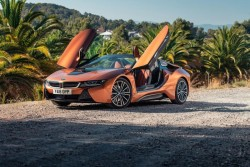 BMW i8 Roadster Gets Improved Electric Range