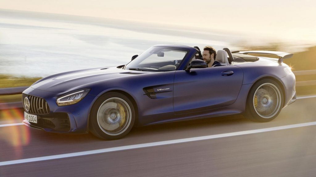 The Mercedes-AMG GT R Roadster Comes With High Performance